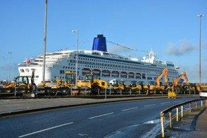 Cruise Southampton dock