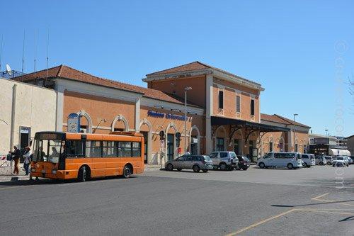 Civitavecchia Train Station CRUISE CROCODILE Cruise Dock - Civitavecchia train station to cruise ship