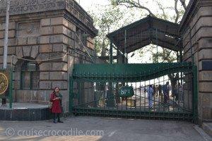 Mumbai's green gates, exit of the port