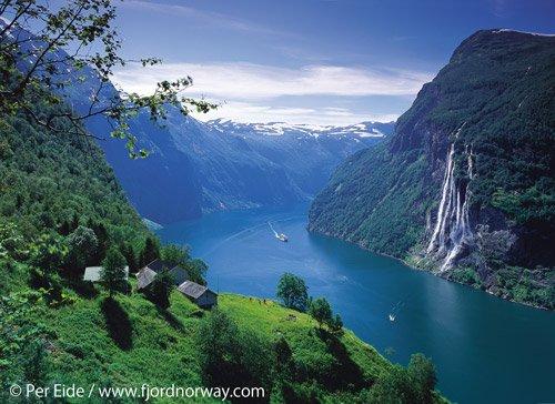 Cruising the Geirangerfjord