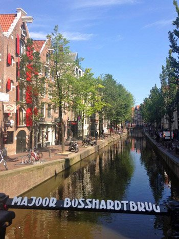 Cruise-Amsterdam-canals