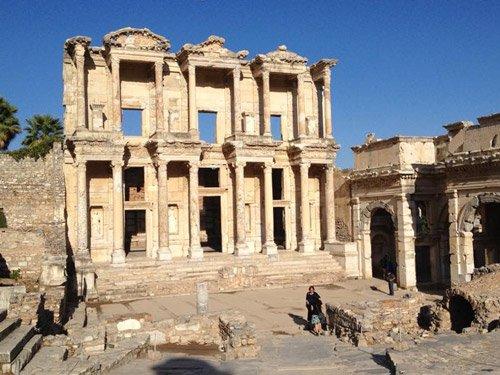 Cruise-Crocodile-Kusadasi-Ephesus