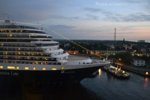 Cruise-Crocodile-Warnemunde