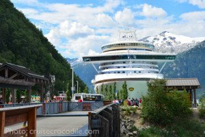 Cruise-Skagway-dock-cruise-crocodile