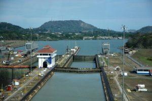 Cruise-Panama-Canal-Miraflores-Locks
