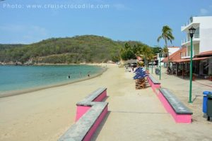 Cruise port Huatulco by the beach
