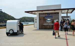 huatulco cruise dock exit