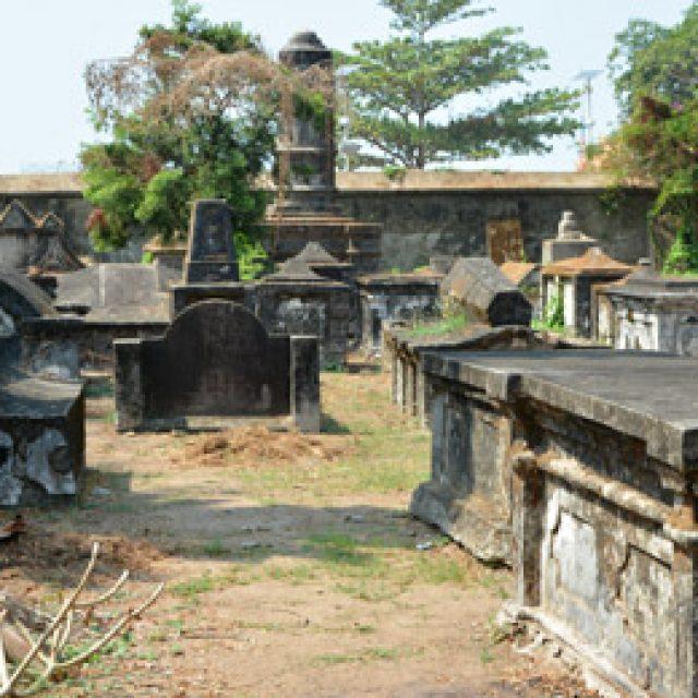 The Dutch Cemetery