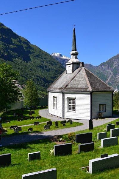cruise-geiranger-church