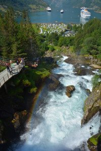 cruise-geiranger-waterfall-walk-2